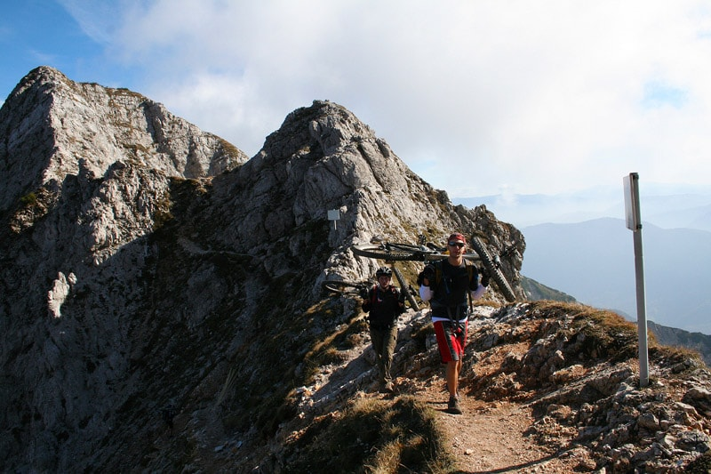 uphill-08