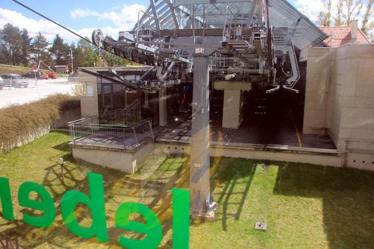 downhill-schoeckl-02